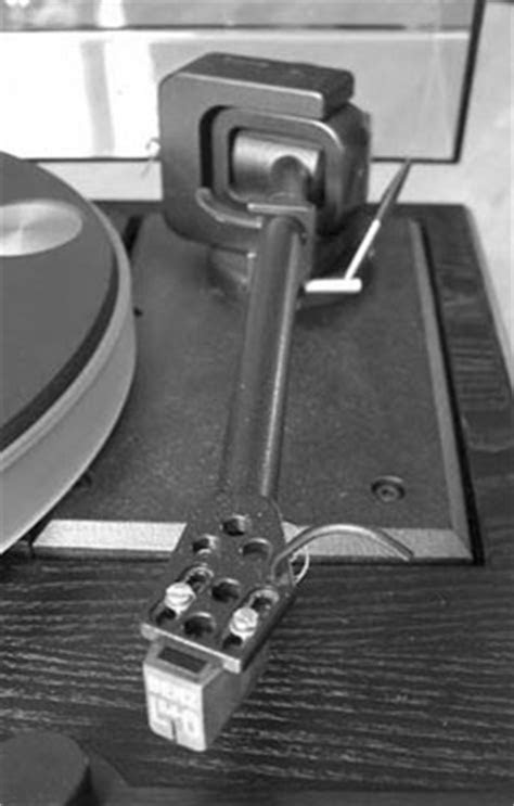 Kuzma Stogi - Manual - Medium Mass Tonearm - Vinyl Engine