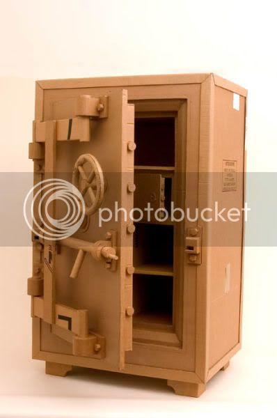 http://i1127.photobucket.com/albums/l624/jexgill/astonishing_cardboard_sculptures_64-13.jpg