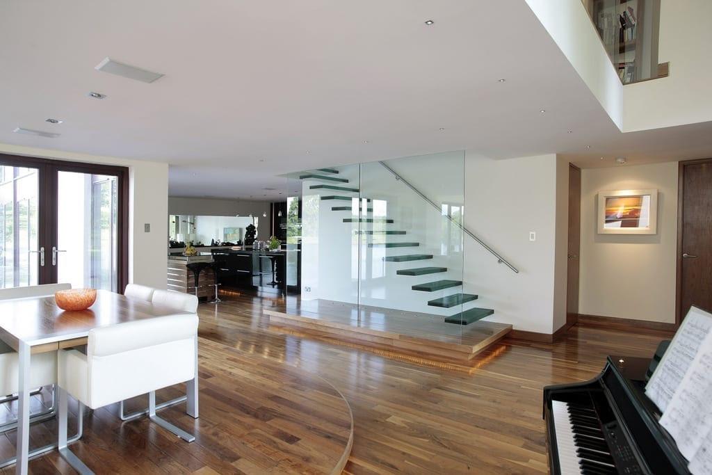 Chic Showcase: Contemporary Grand Designs Home - Love Chic ...