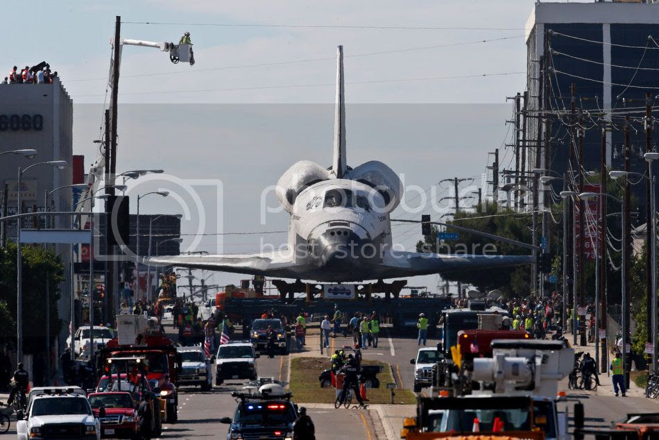Space Shuttle Endeavour rolls through the streets of Los Angeles
