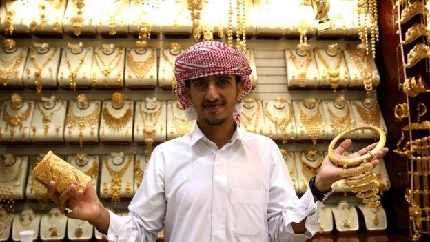 Dubai gold seller