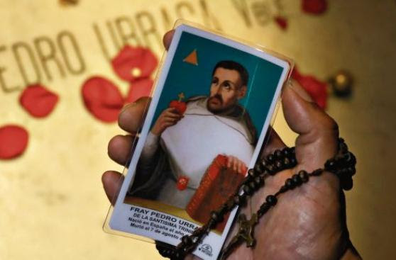 Camino a la santidad: siervos y beatos en el Perú