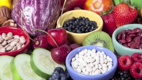 ποιες-τροφές-ρίχνουν-το-ουρικό-οξύ