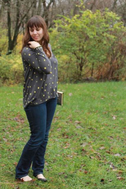 Outfit: gap jeans, gap top, Modcloth flats, DIY Heidi book clutch (tutorial coming soon!)