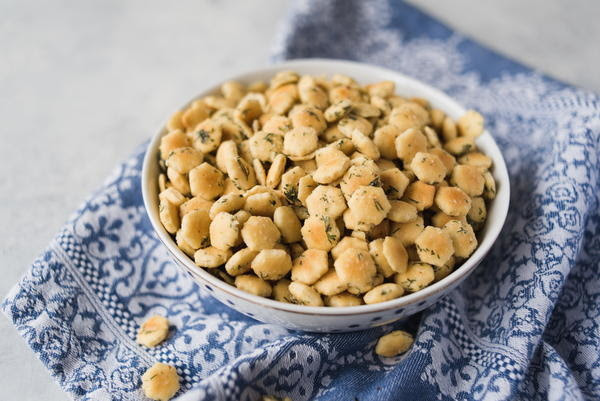 Addictive Hidden Valley Oyster Crackers Recipe