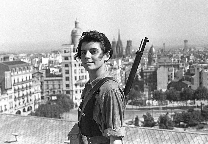 Marina Ginestà Was A French Veteran Of The Spanish Civil War. This Is Her Most Famous Picture At The Top Of Hotel Colón In Barcelona (21 July, 1936)