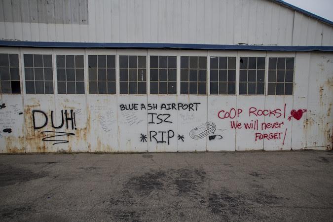 BlueAshAirport_0010