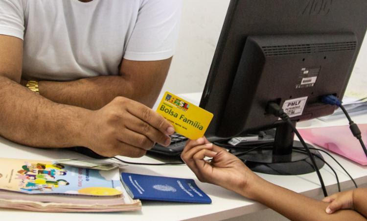 As famílias beneficiárias têm até 20 de dezembro para realizar o acompanhamento obrigatório do segundo semestre de 2019. - Foto: Edgard Copque_Divulgação