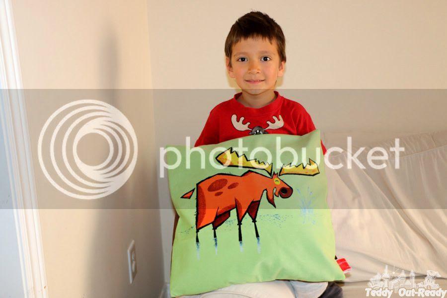 photo Golden Moose Green Velveteen Cushion Cover