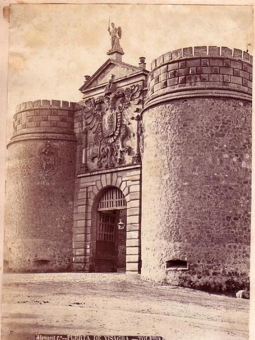 Puerta de Bisagra en el siglo XIX. Foto de Casiano Alguacil
