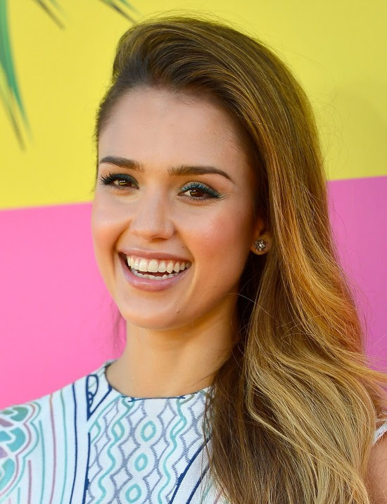 Jessica-Alba-at-Nickelodeons-26th-Annual-Kids-Choice-Awards-in-Los-Angeles-Pictures-Photos-2