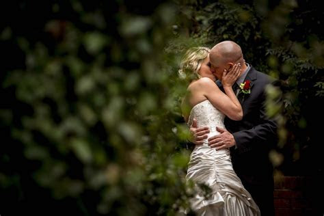 How to Pick a Wedding Photographer / Videographer   Knox
