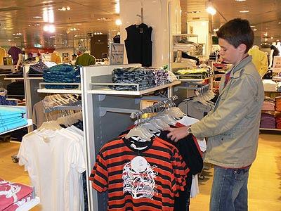 paul shopping.jpg