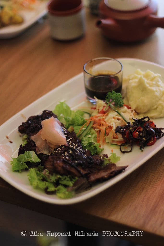 Japanese beef with yogurt wasabi salad