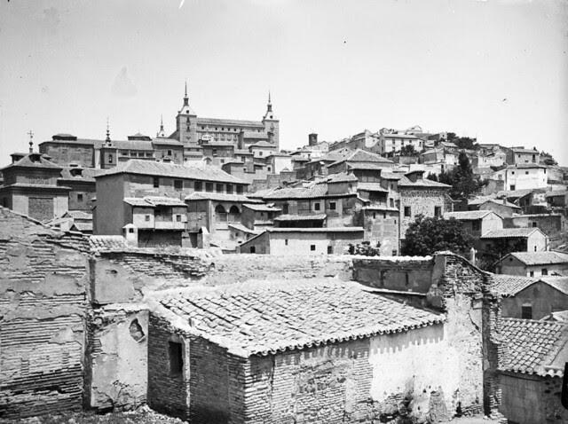 Caserío de Toledo en los años 20. Fotografía de Otto Wünderlich. © Fototeca del Patrimonio Histórico
