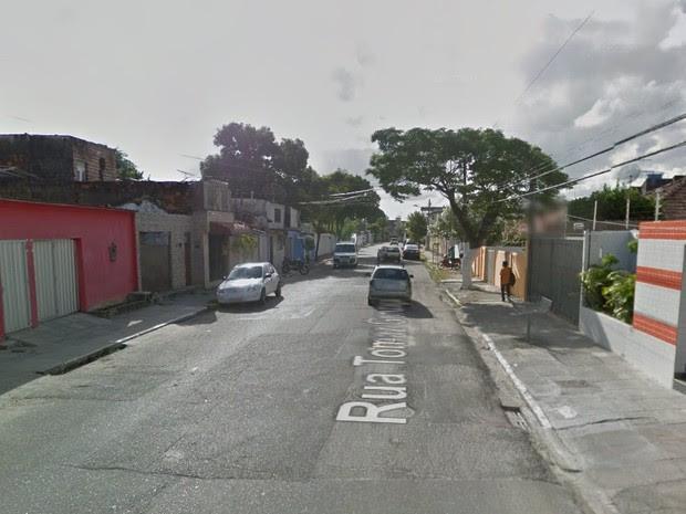 Rua Thomaz Gonzaga, no bairro da Torre, na Zona Oeste do Recife (Foto: Reprodução/Google Street View)