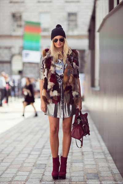Nelly-boots-bcbg-maxazria-dress-liberty-hat-leather-mulberry-bag