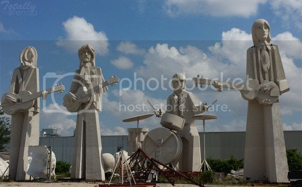 photo adicksthebeatlessculptures_zps955b0a3f.jpg