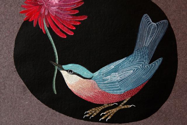 Bird on black detail