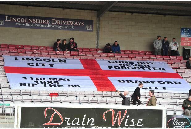 Sporting world unites to remember 56 Bradford City fire ...