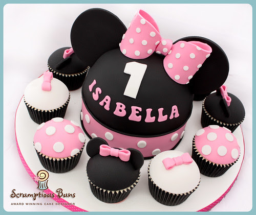 Big Cake Little Cakes : Minnie Mouse by Scrumptious Buns (Samantha)