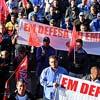 Funcionários da Volks fazem ato contra a reforma