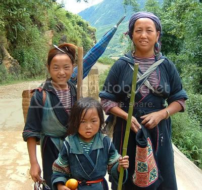 http://i347.photobucket.com/albums/p464/blogspot_images1/Desamuduru/hmong2.jpg