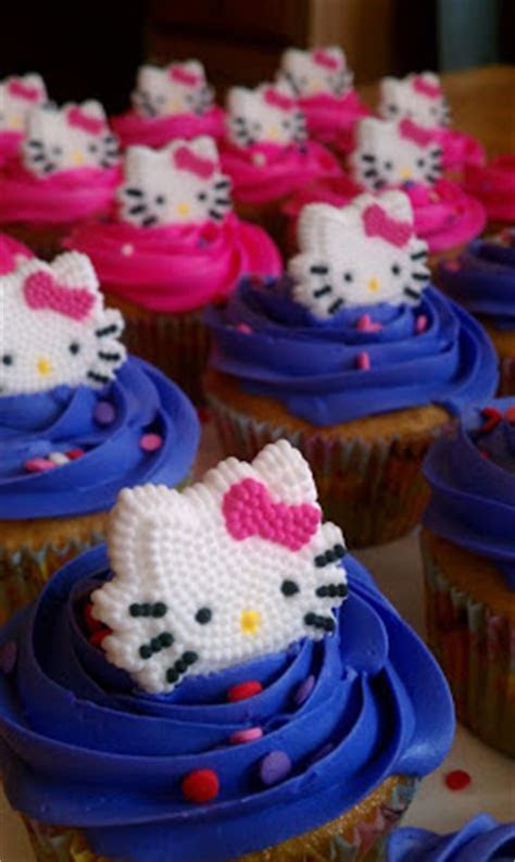 Introducing .: Hello Kitty cake and cupcakes for a 5