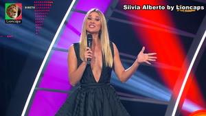 Silvia Alberto sensual a apresentar o Got Talent