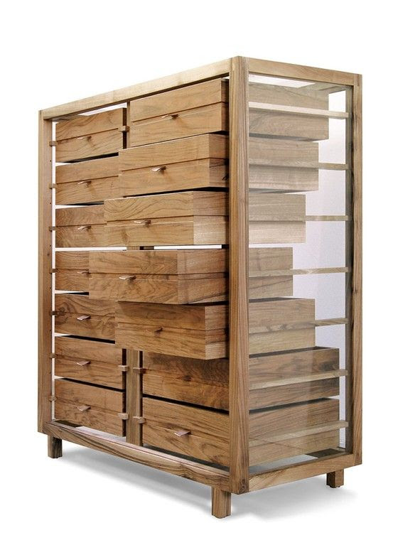 Transparent chest of drawers / Dessié