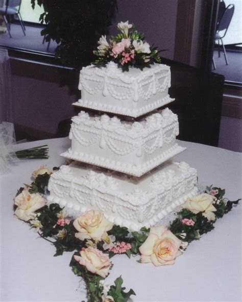 Square Wedding Cakes « Taylor's Bakery