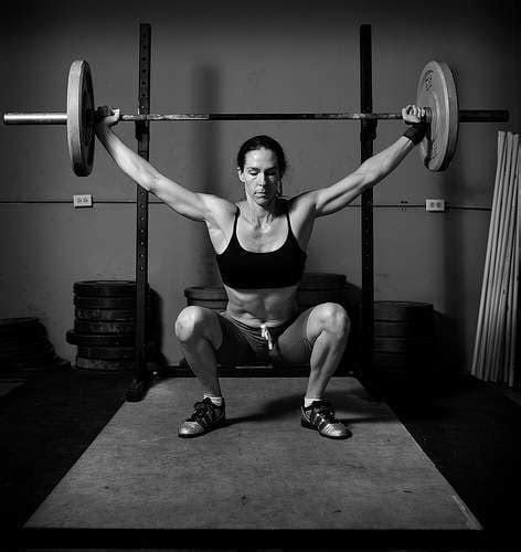 huge women weight lifting