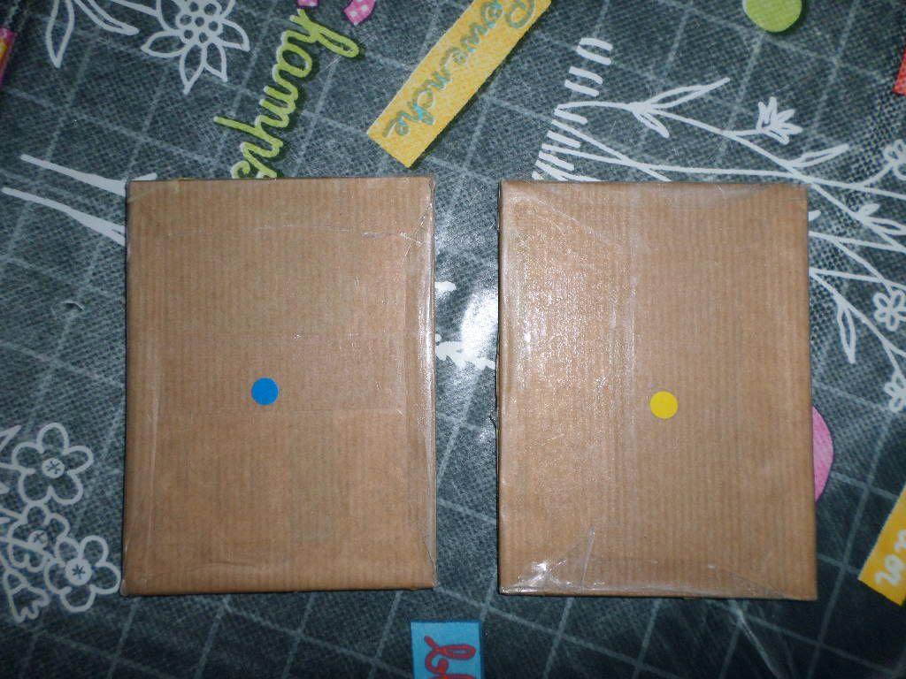 2 pastilles de couleurs différentes : les tablettes n'ont pas le même grain
