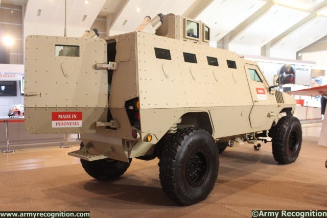 http://www.armyrecognition.com/images/stories/asia/indonesia/defence_exhibition/indodefence_2014/news/pictures/SSE_unveiled_modernized_PAKCI_P2_Armoured_Personnel_Carrier_at_IndoDefence_2014_640_002.jpg