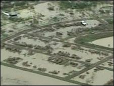 http://newsimg.bbc.co.uk/media/images/44628000/jpg/_44628430_floods226.jpg