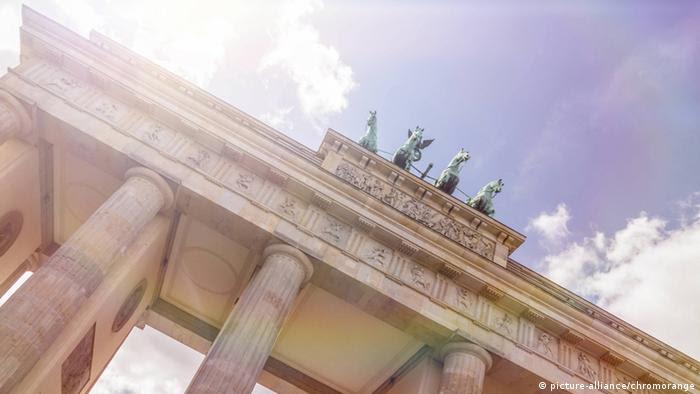 Brandenburger Tor (picture-alliance/chromorange)