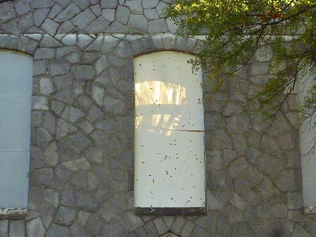 P1130284-2012-10-25-Hapeville-1st-Baptist-Church-Stone-Sanctuary-demolition-shadow-of-roof-truss