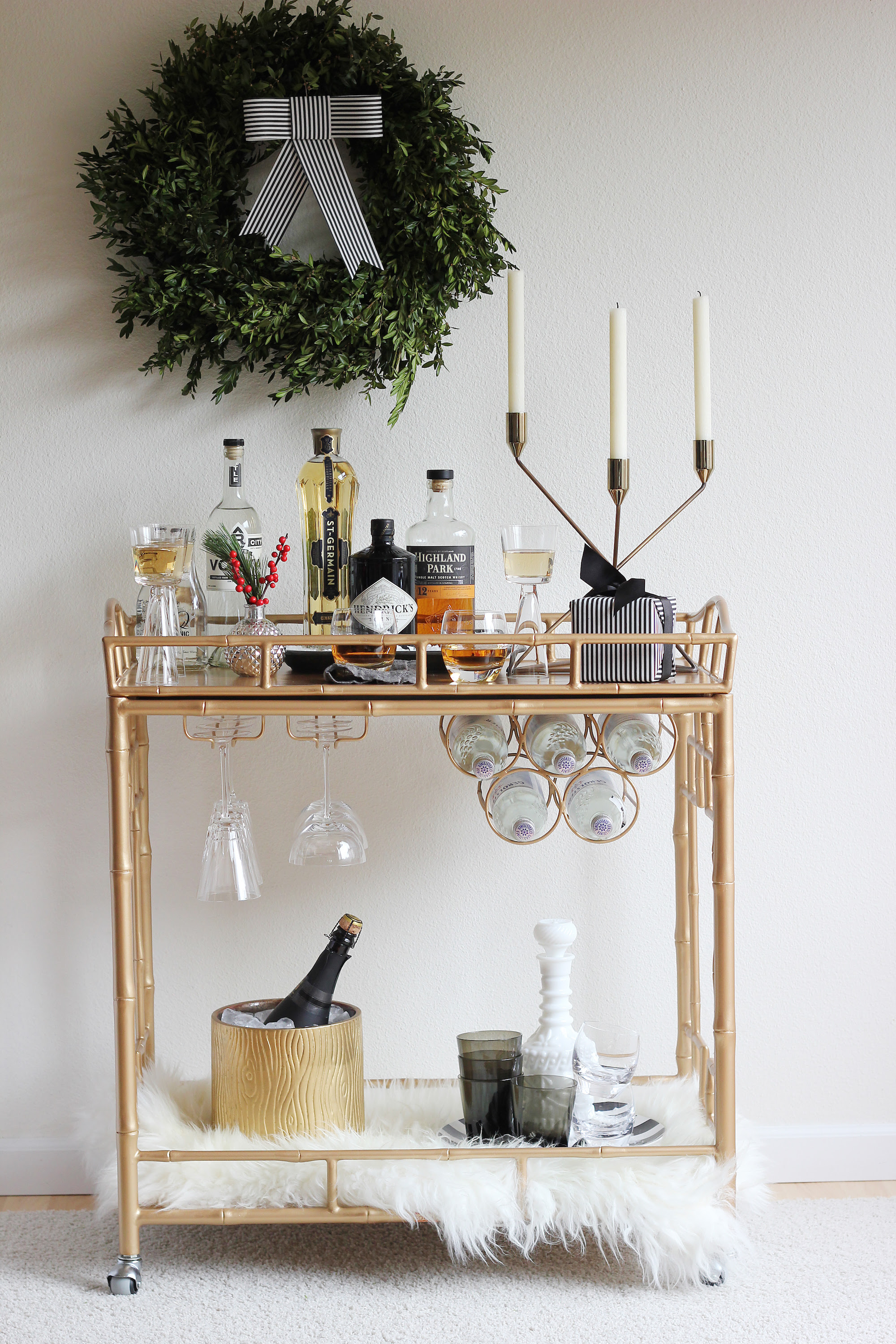 20 Best Holiday Decorating Ideas For Small Spaces ...