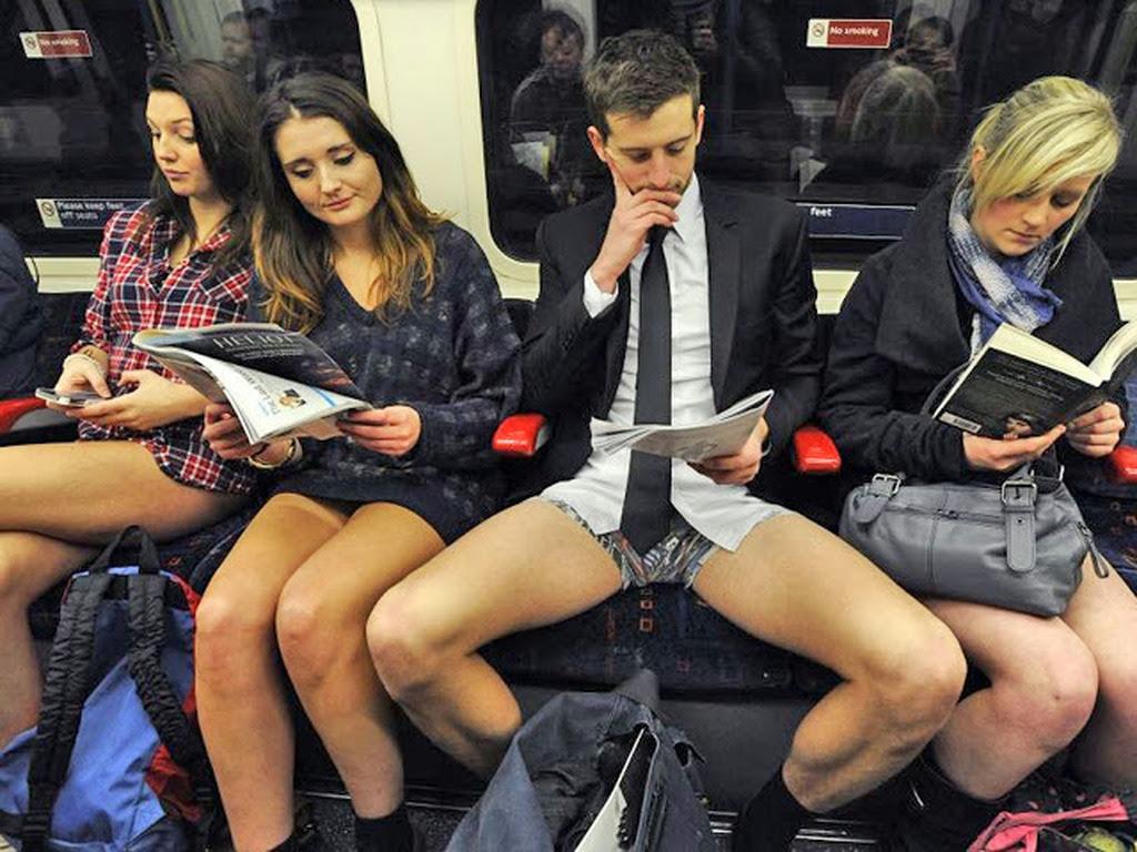 Τι κοιτάζουν τα κορίτσια μέσα στο τρένο? (BINTEO)