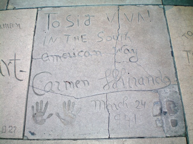 Ficheiro:Carmen Miranda - Grauman's Chinese Theatre.jpg