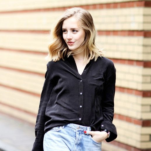 Le Fashion Blog Blogger Sarah Street Style Black Silk Button Down With Pocket Light Blue Denim Via Framboise Fashion
