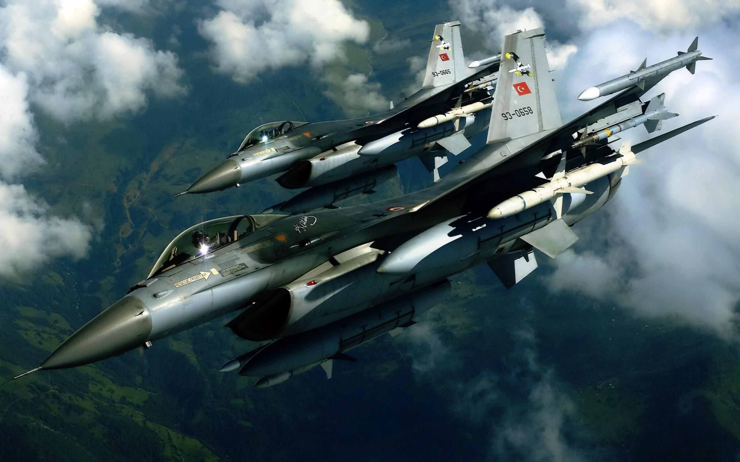 Avión de combate turco-F16