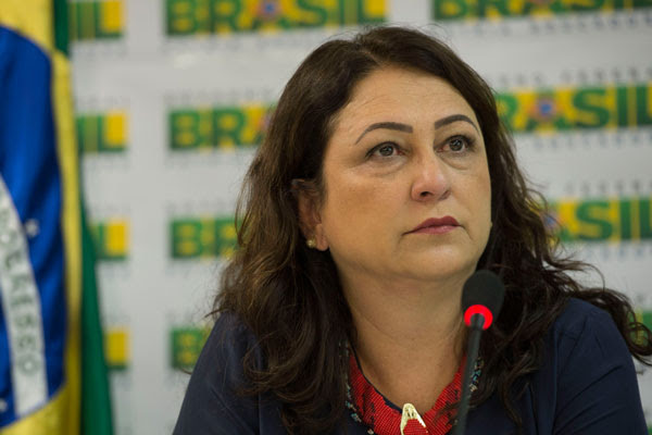 Kátia Abreu não tolerou brincadeira feita por senador tucano