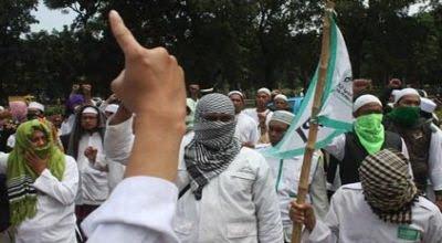 Tanggapan : FPI Desak Ahok Masuk Islam