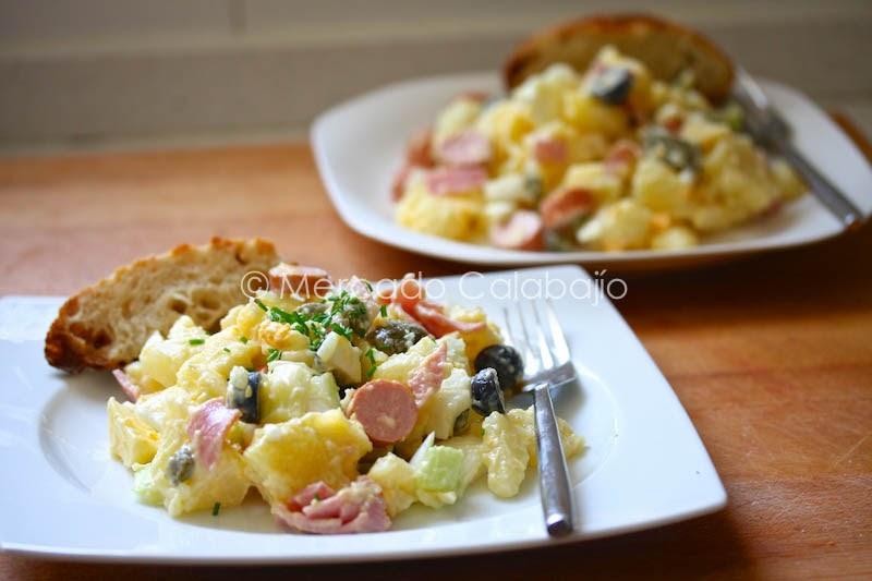 Ensalada alemana de patatas y salchichas mercado calabaj o - Ensalada alemana de patatas ...