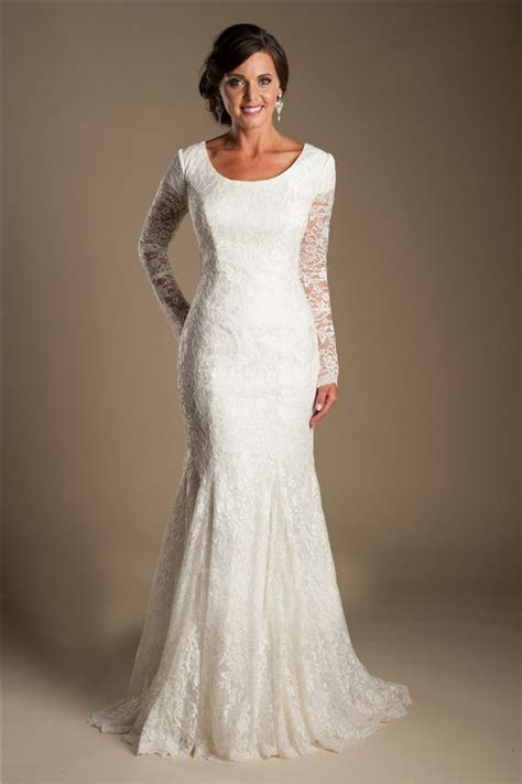 Modest Mermaid Scoop Neck Long Sleeve Lace Wedding Dress