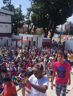 Treino Fortaleza Pici torcida (Foto: Caio Ricard/TV Verdes Mares)