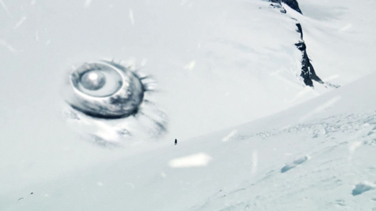 UFO WRECK DISCOVERED during storm by US SCIENTISTS in ANTARCTICA !!! Nov 2014