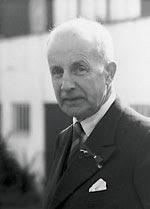 "Paal Berg (1873-1968), jurist, hjemmefronstleder, Venstre-politiker og ""hovedavtalens far""."
