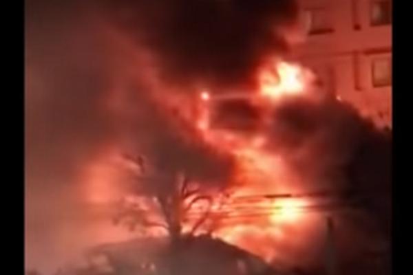 ef27c0067 Reštauráciou otriasol mohutný výbuch: VIDEO Budova v plameňoch, 42 zranených